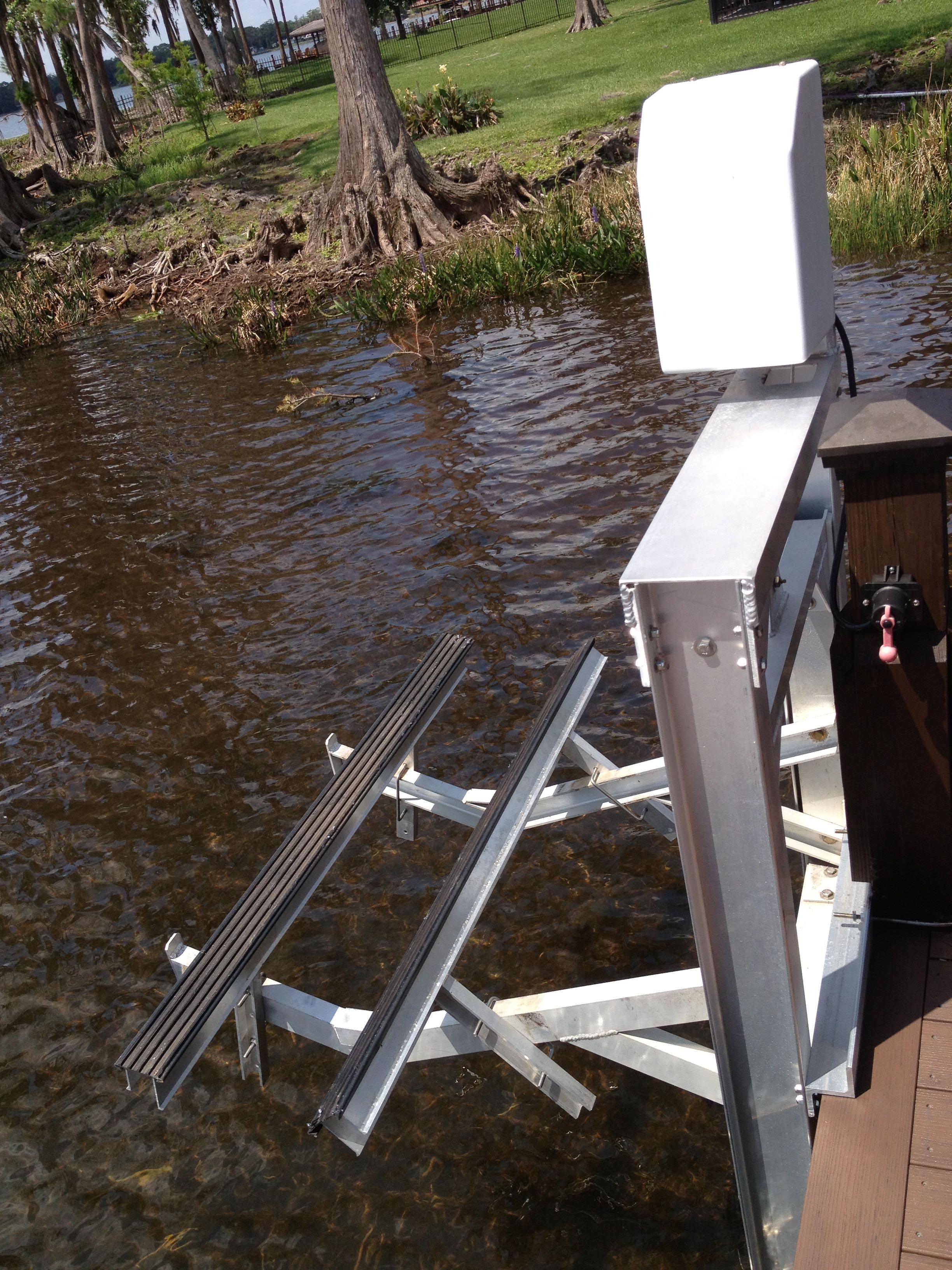 Dock Mounted Jet Ski Lift