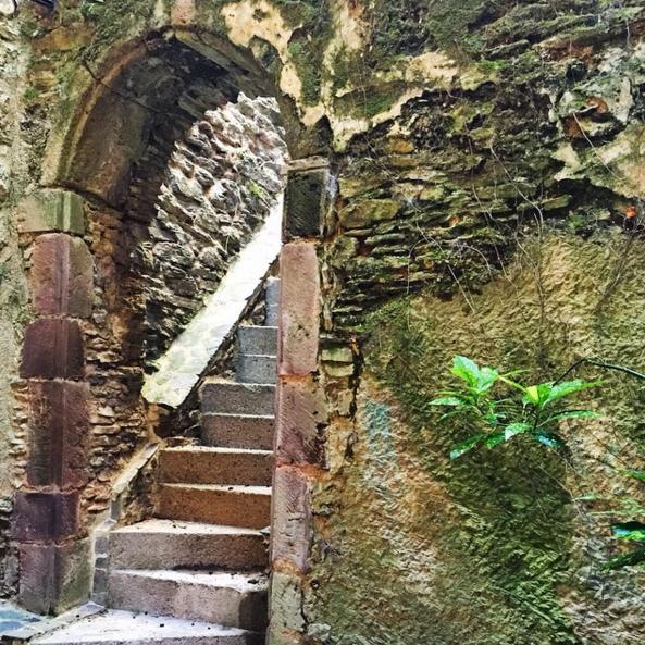belcastel spanish steps.png