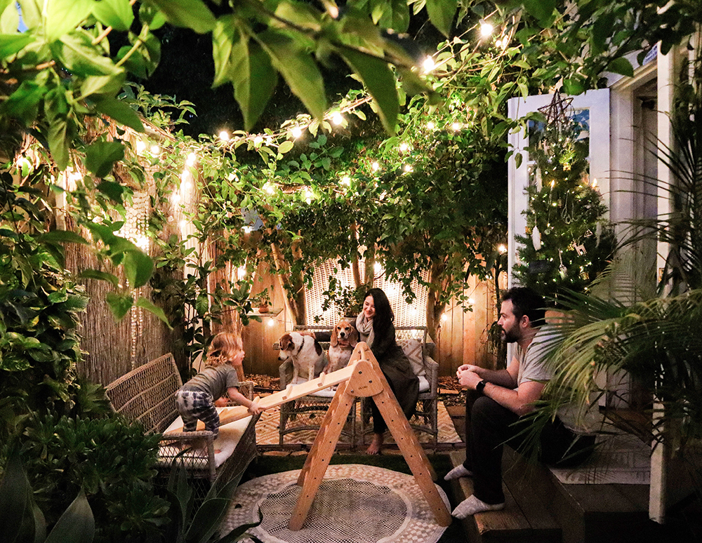 small space holiday garden family.JPG