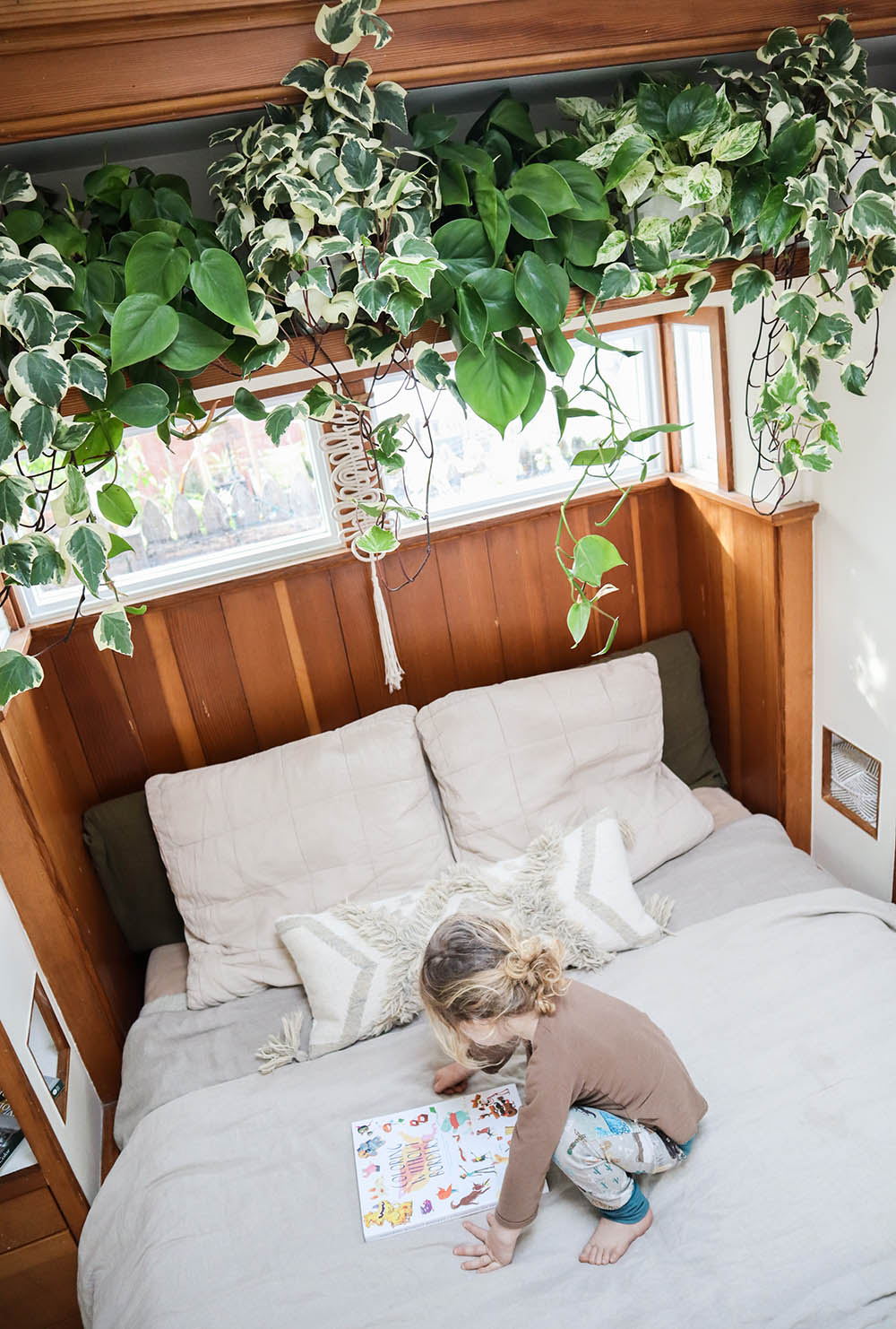 tinyhouse_bedroom.jpg