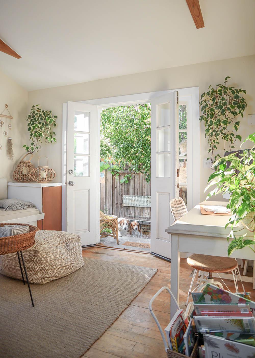 smallspace_livingroom.jpg