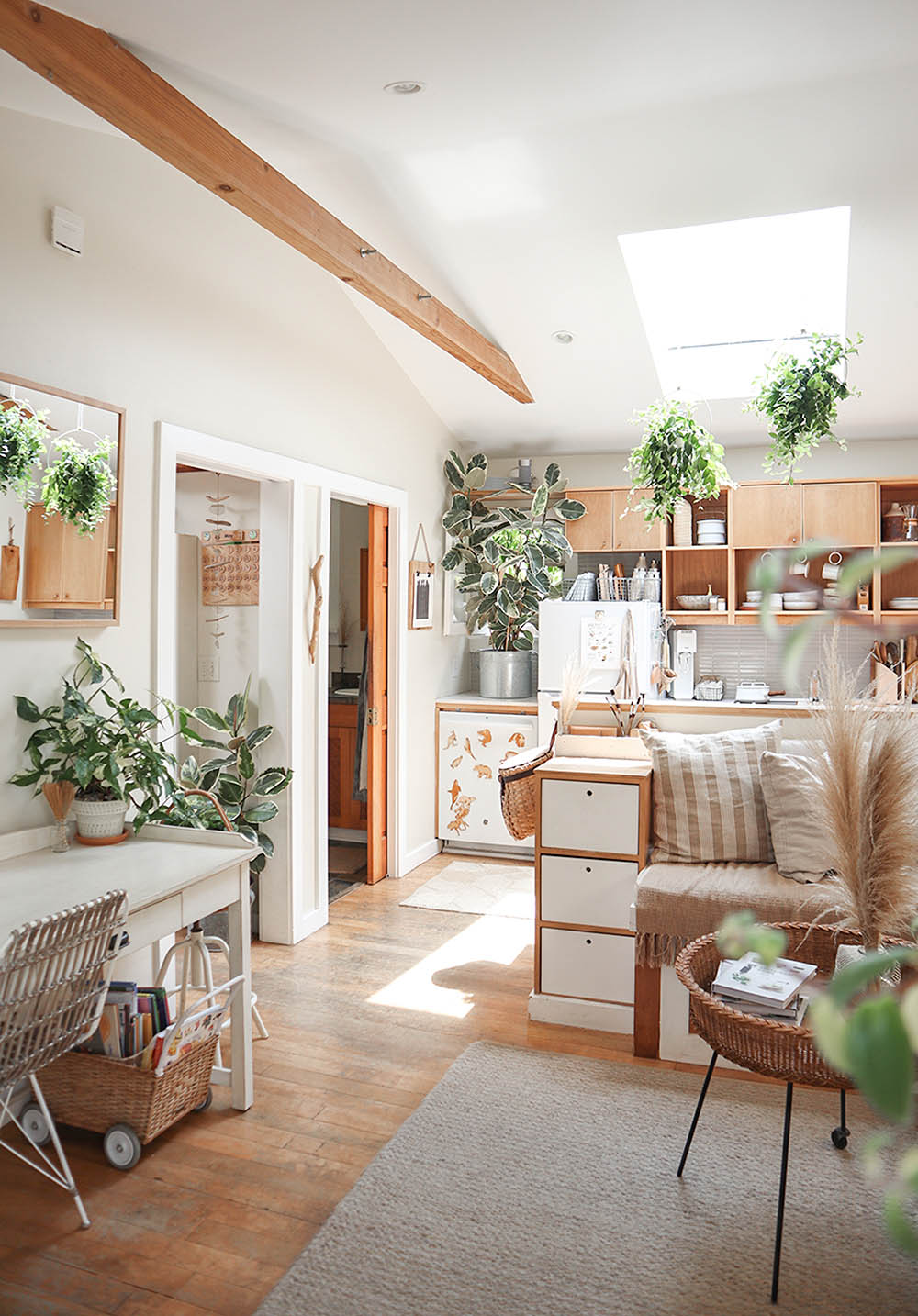 small_space_plants_tiny_house_1.jpg