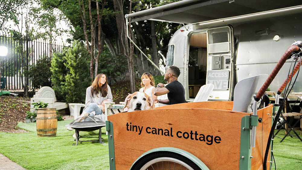 access_live_the_tiny_canal_cottage2-2.jpg