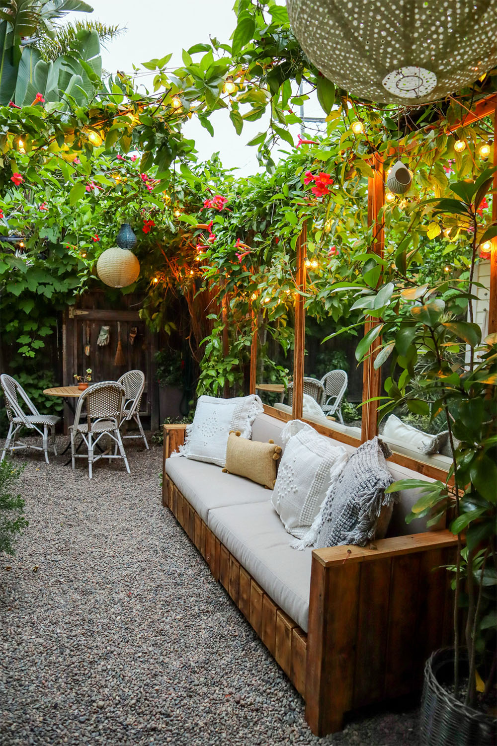 tiny_canal_cottage_house_outdoor_makeover_8.jpg