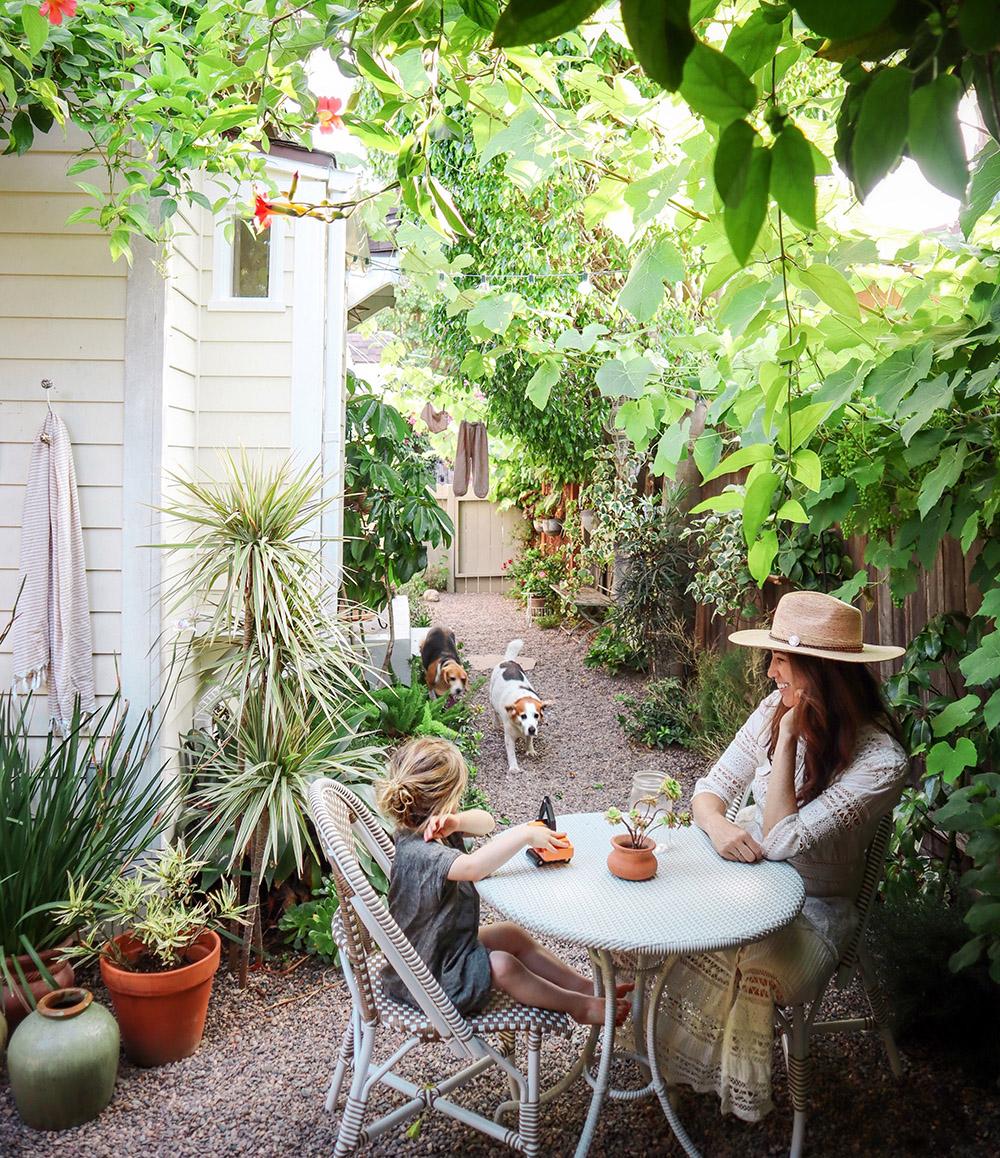 tinycanalcottage_garden.jpg