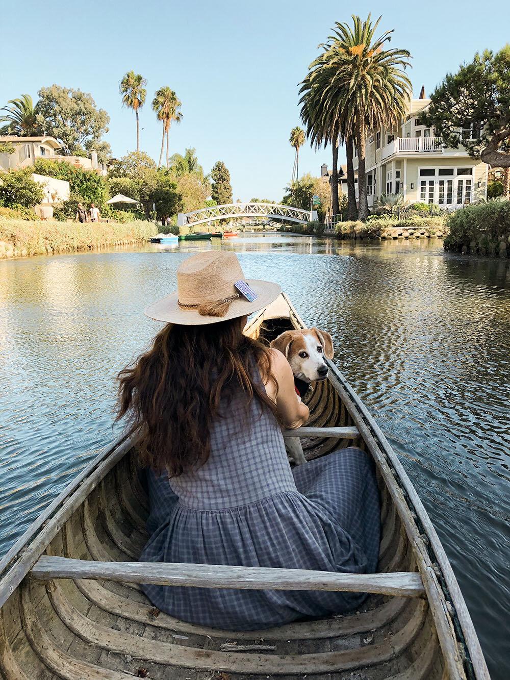 venice_beach_canals_canoe_dog3.JPG