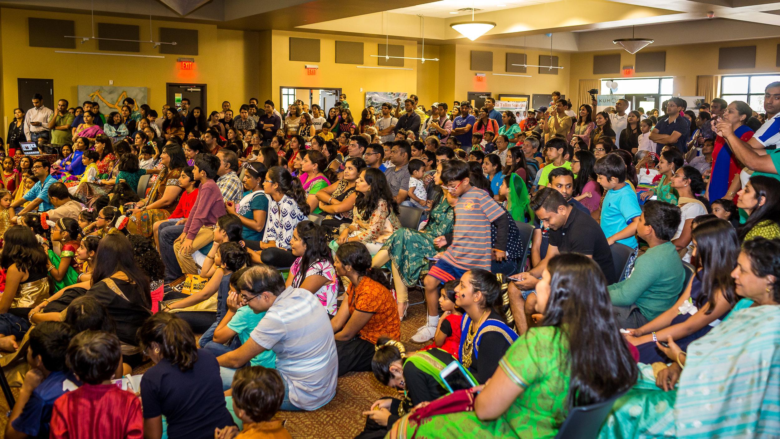 South Asian Moms of Austin-Diwali 2016-49.jpg