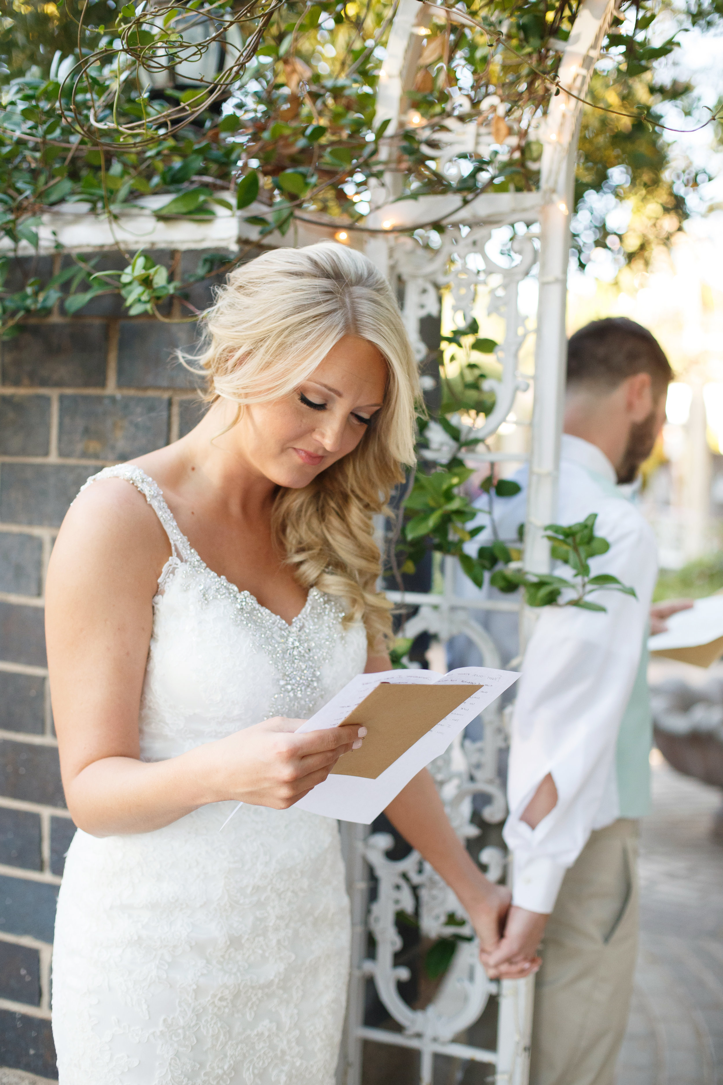 Love Note... - 2. Exchange a love note with your loved ones. With the groom and bride or parents, it is a great way to calm your mind but also a beautiful photo opts.