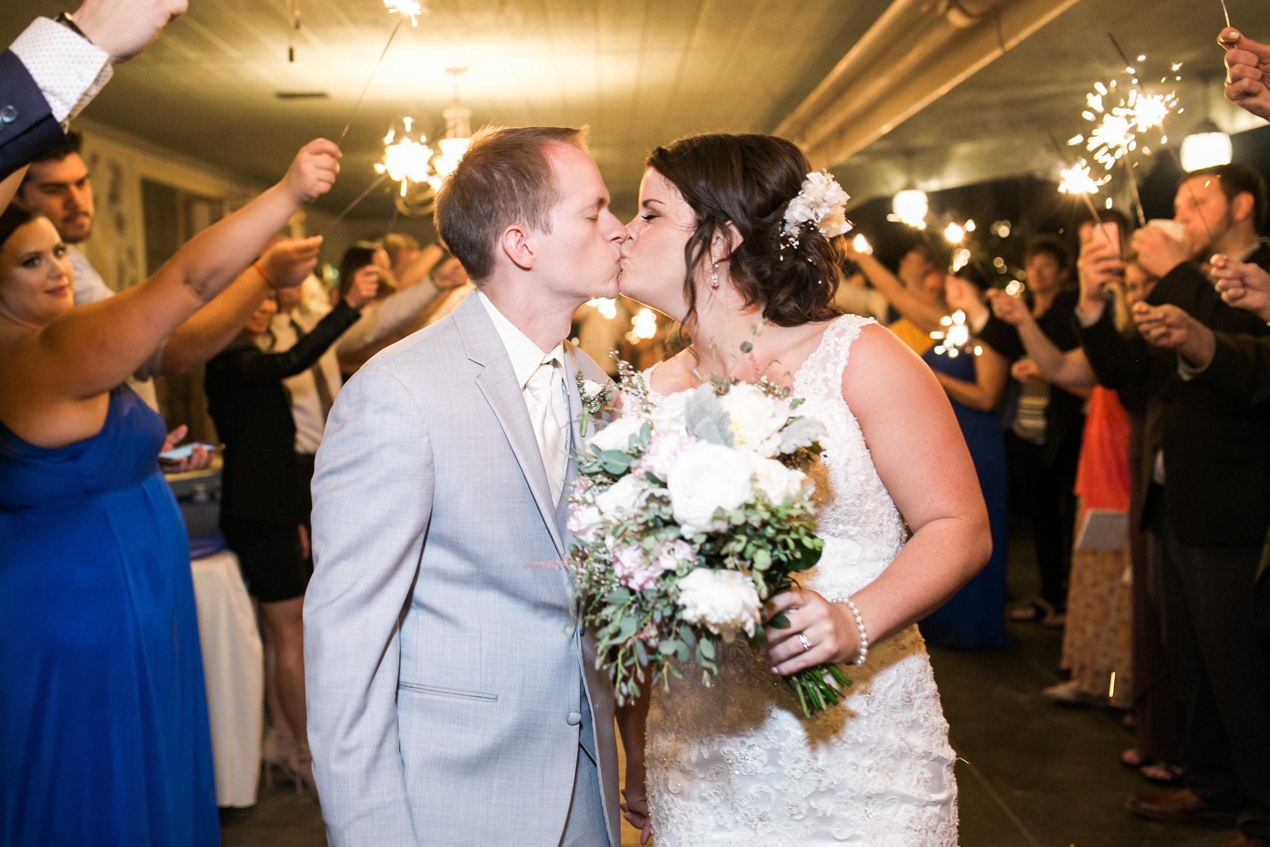 Jennifer_Mark_Thompson_Wright_House_Wedding-802.jpg