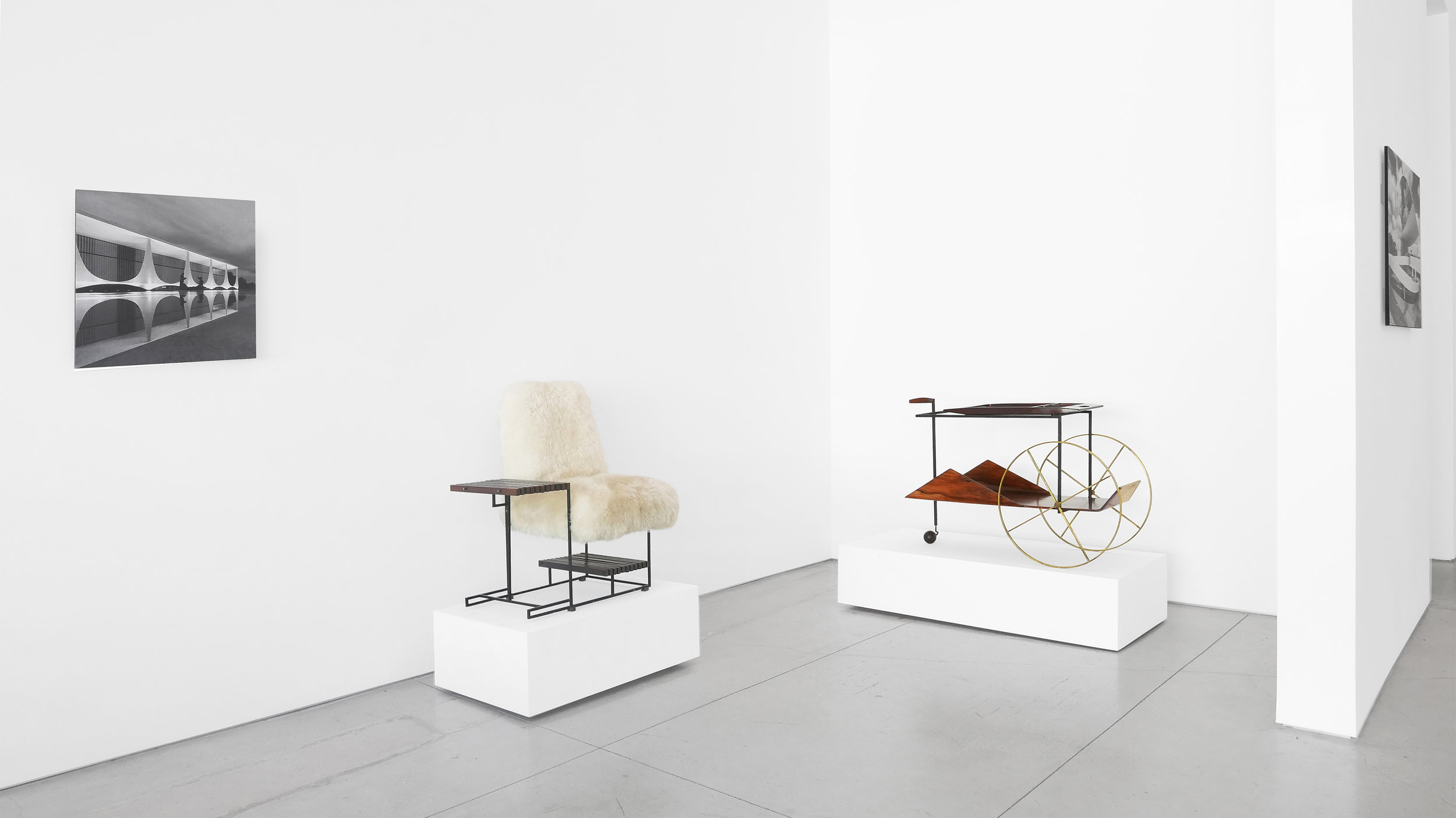 Design Brasileiro, Curated by Ulysses de Santi, Peter Blake Gallery, 2018, Installation View_01.jpg