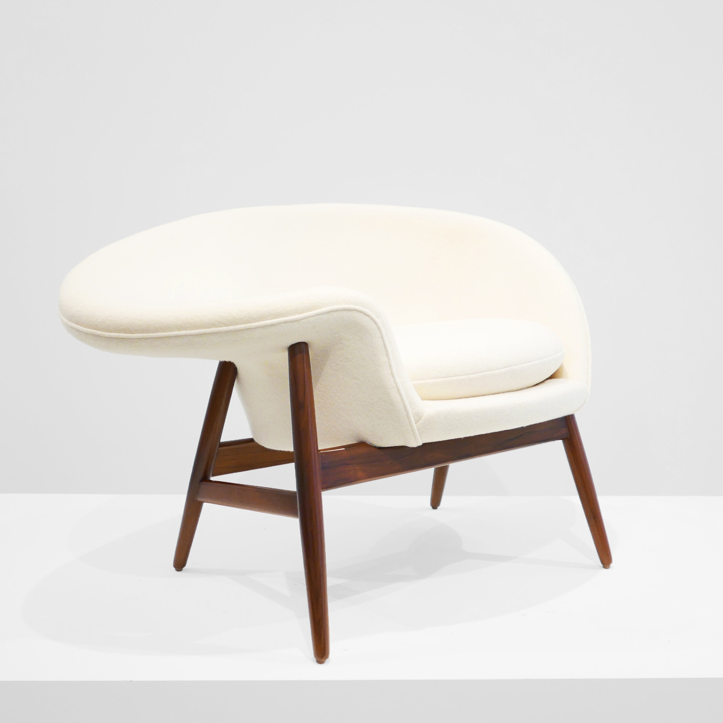 hans olsen  'fried egg' chair  SOLD