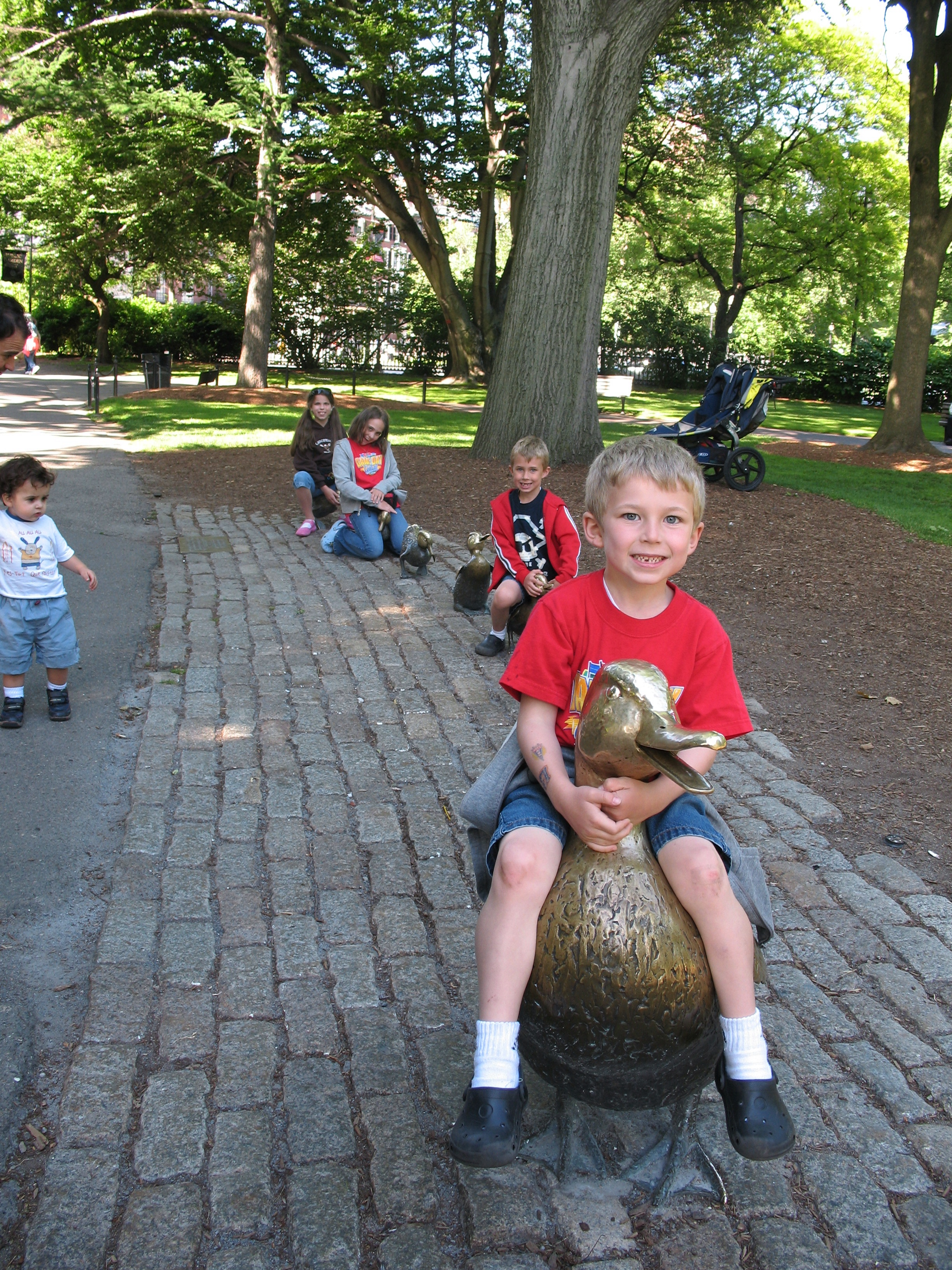 the kiddos at the public gardens