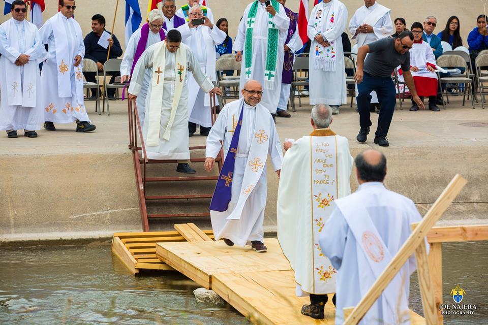 Border Mass Bishops[74].jpg