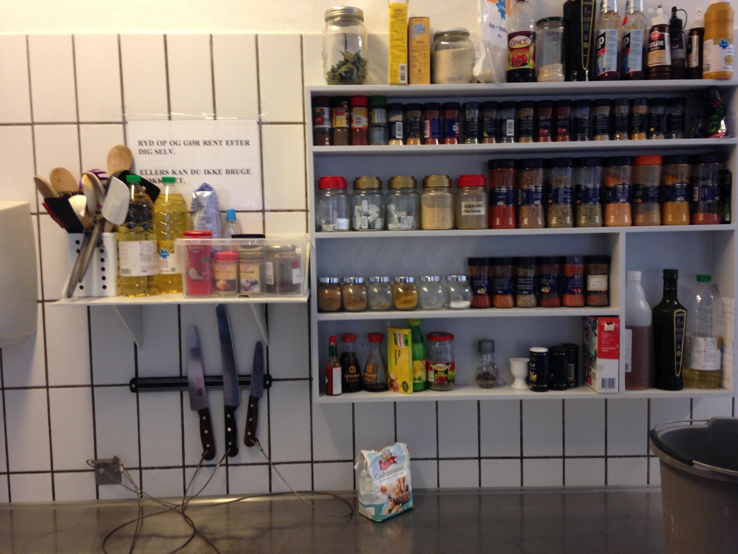 Knives & Spice Rack, Danish Prison