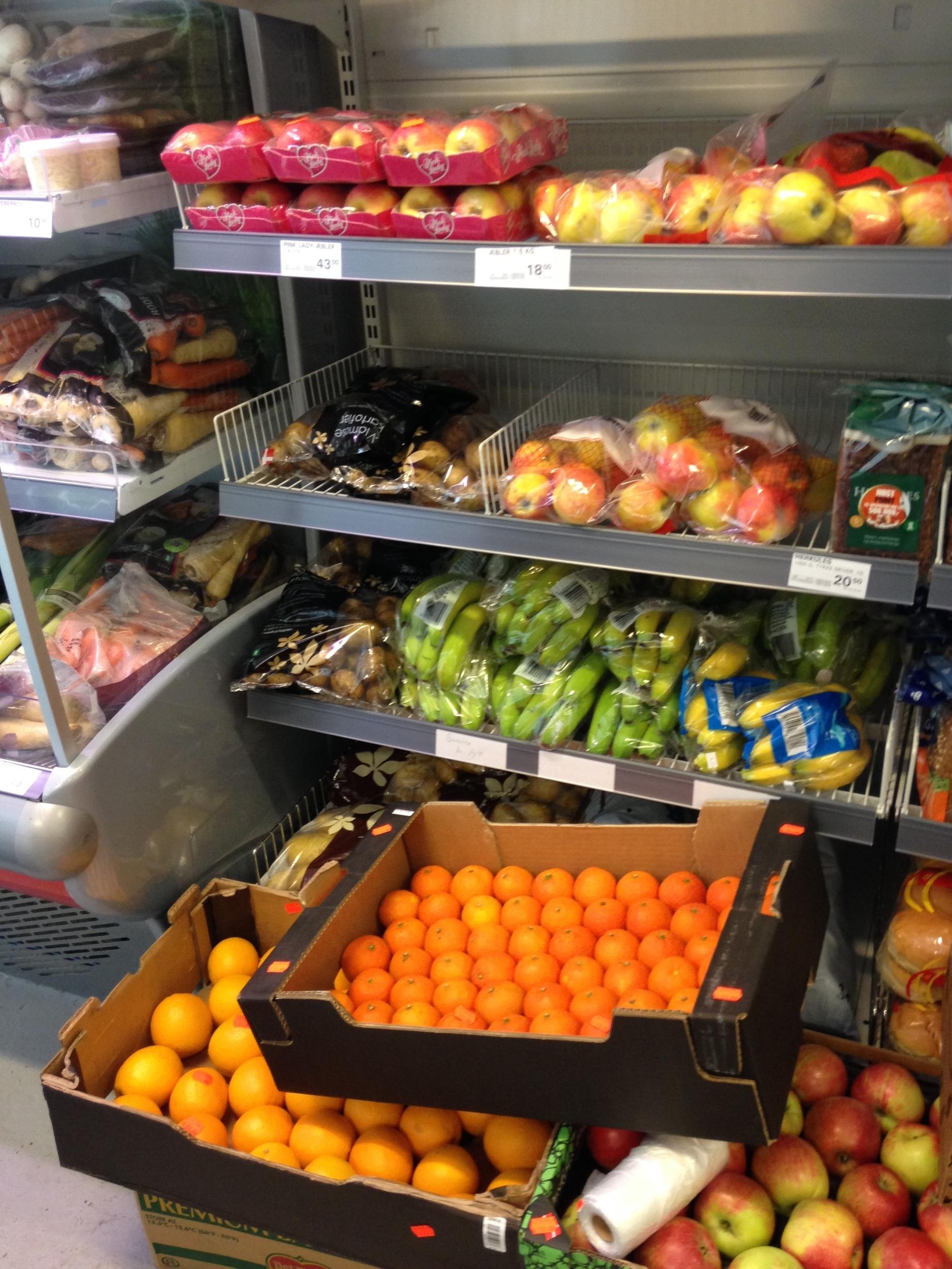 Fruit, Prison Supermarket