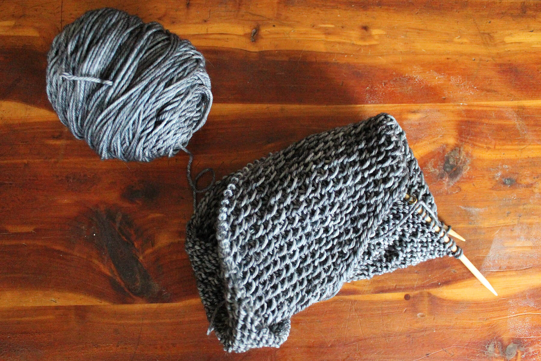 Currently making: the   Honey Cowl   from Madeline Tosh, using Tosh Merino DK.