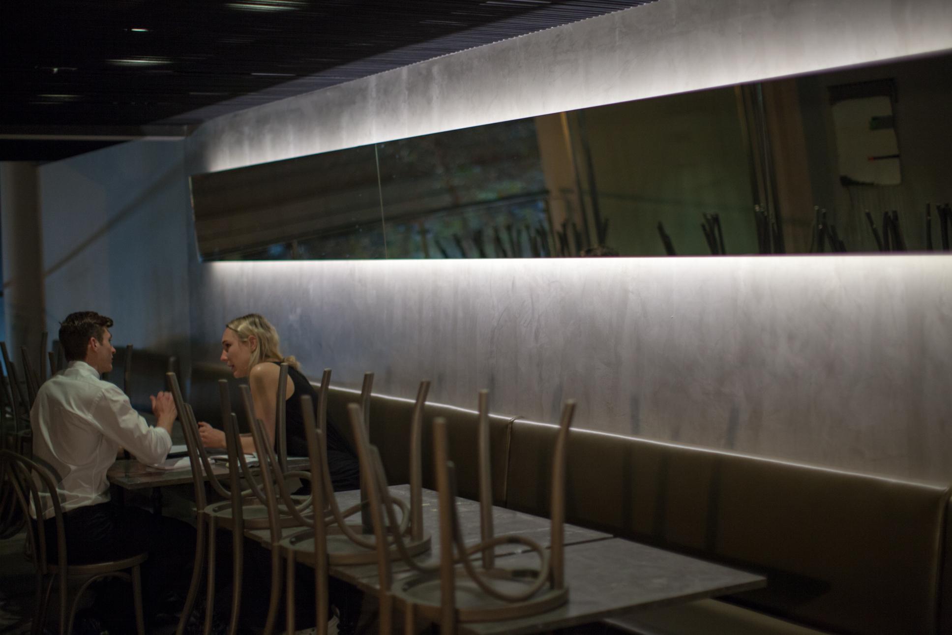 Restaurant Interior<br/>3/5