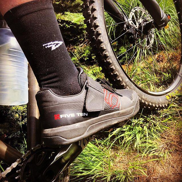 Finally getting round to using my new shoes! Thanks @btr_fabrications !! #fiveten #BTR #BTRFabrications #NewKicks