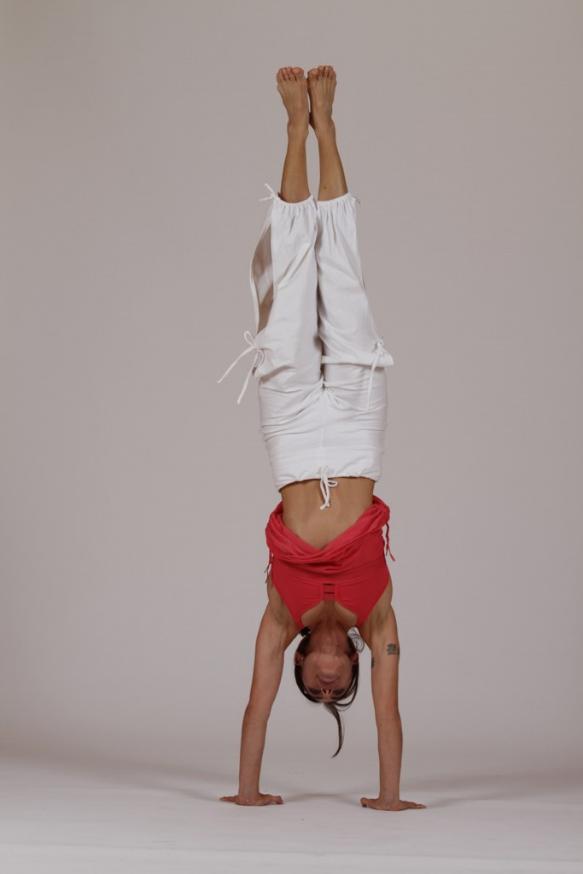 handstand.jpg