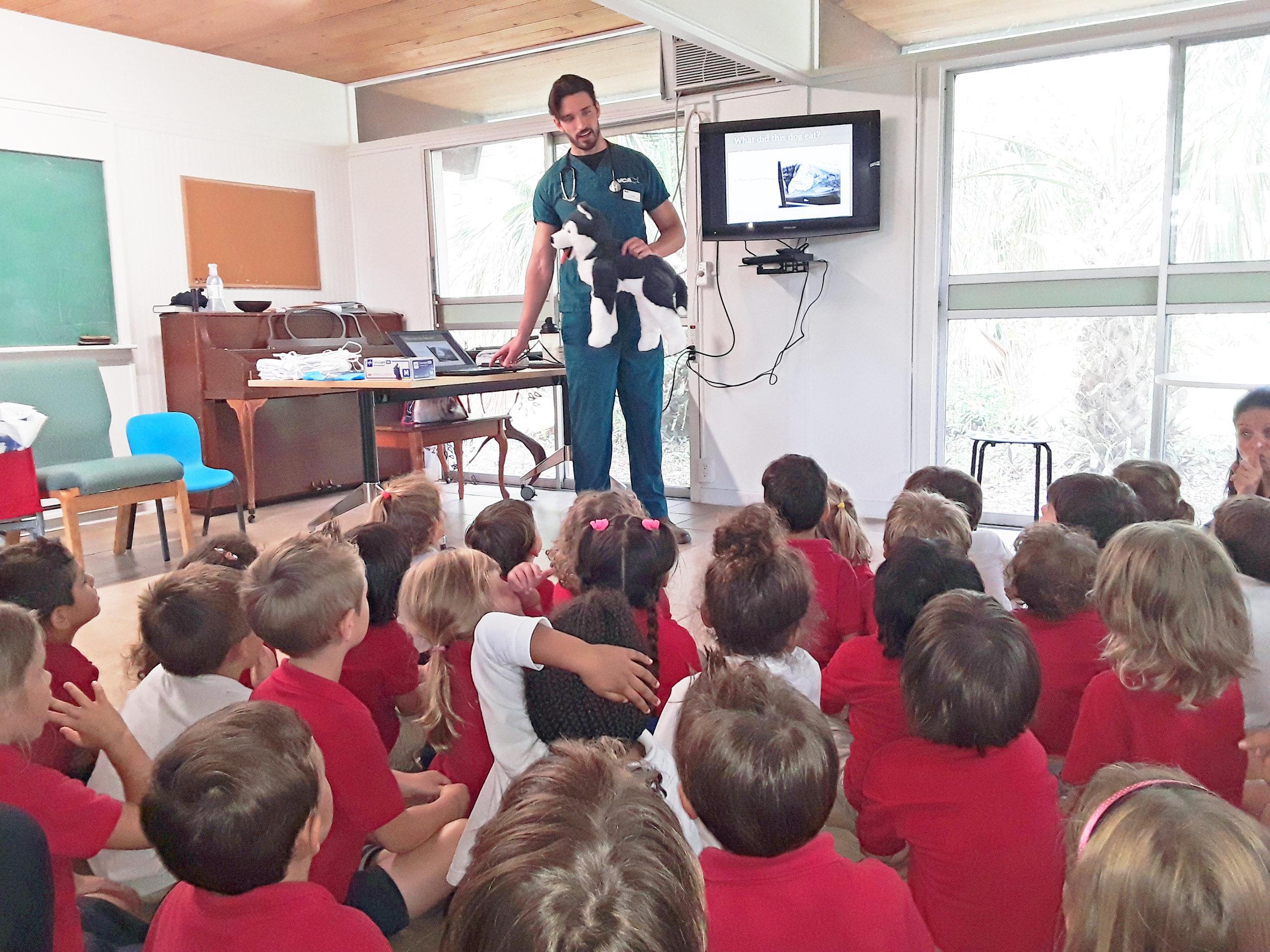 veterinary-presentation-french-school-miami.jpg