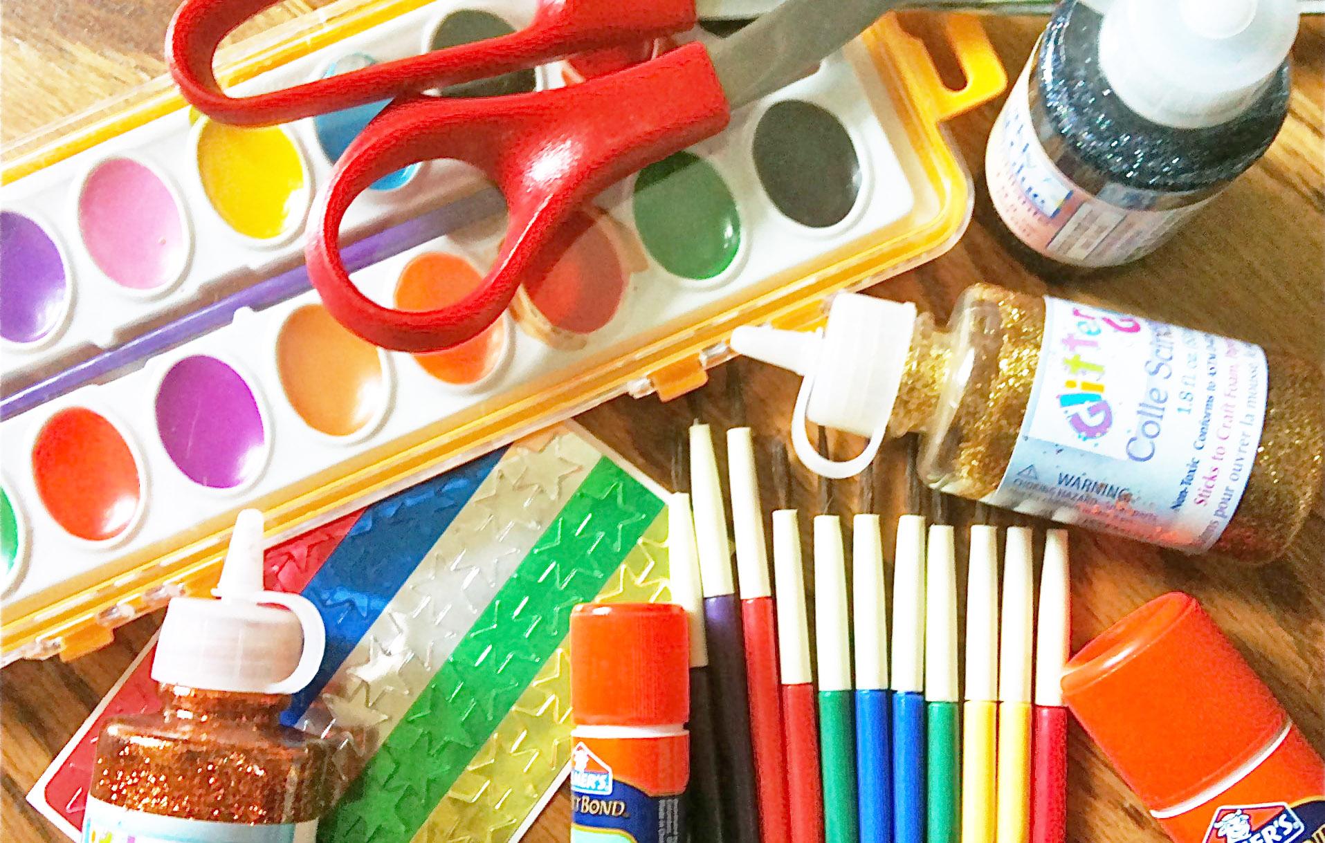 L'ATELIER DES ARTISTES - THE ARTIST'S WORKSHOP