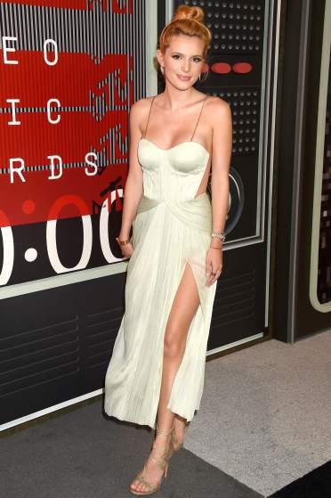 Bella Thorne VMAs 2015