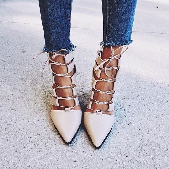 lace up pointy shoe
