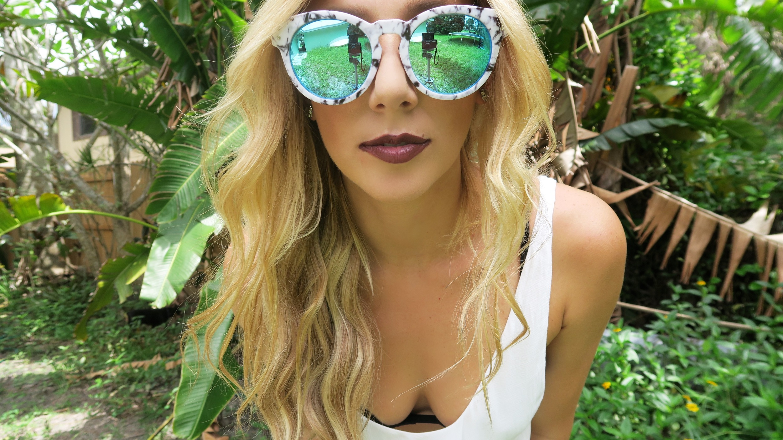 Quay High Emotion Marble & Blue Sunnies