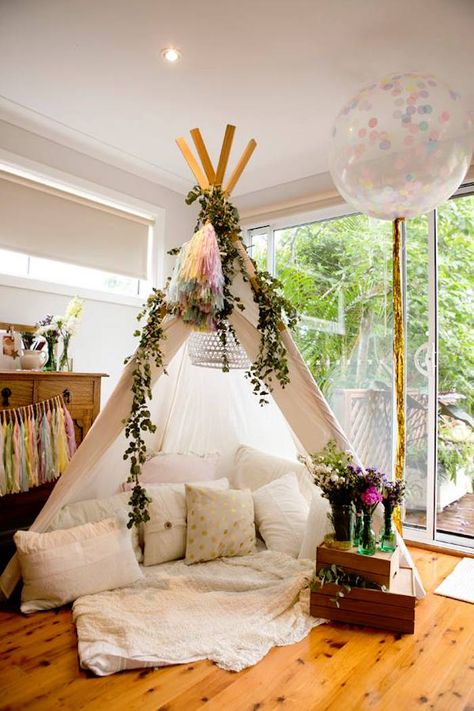 birthday teepee