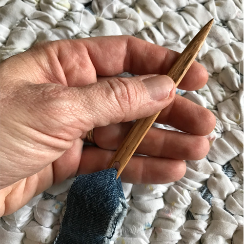 Where to get a wooden needle to make a rag rug -- DaytoDayAdventures.com