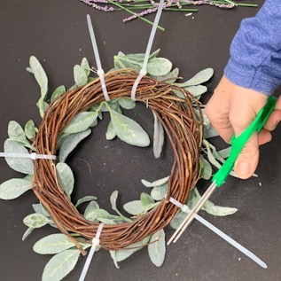 How to make a Lamb's Ear spring wreath