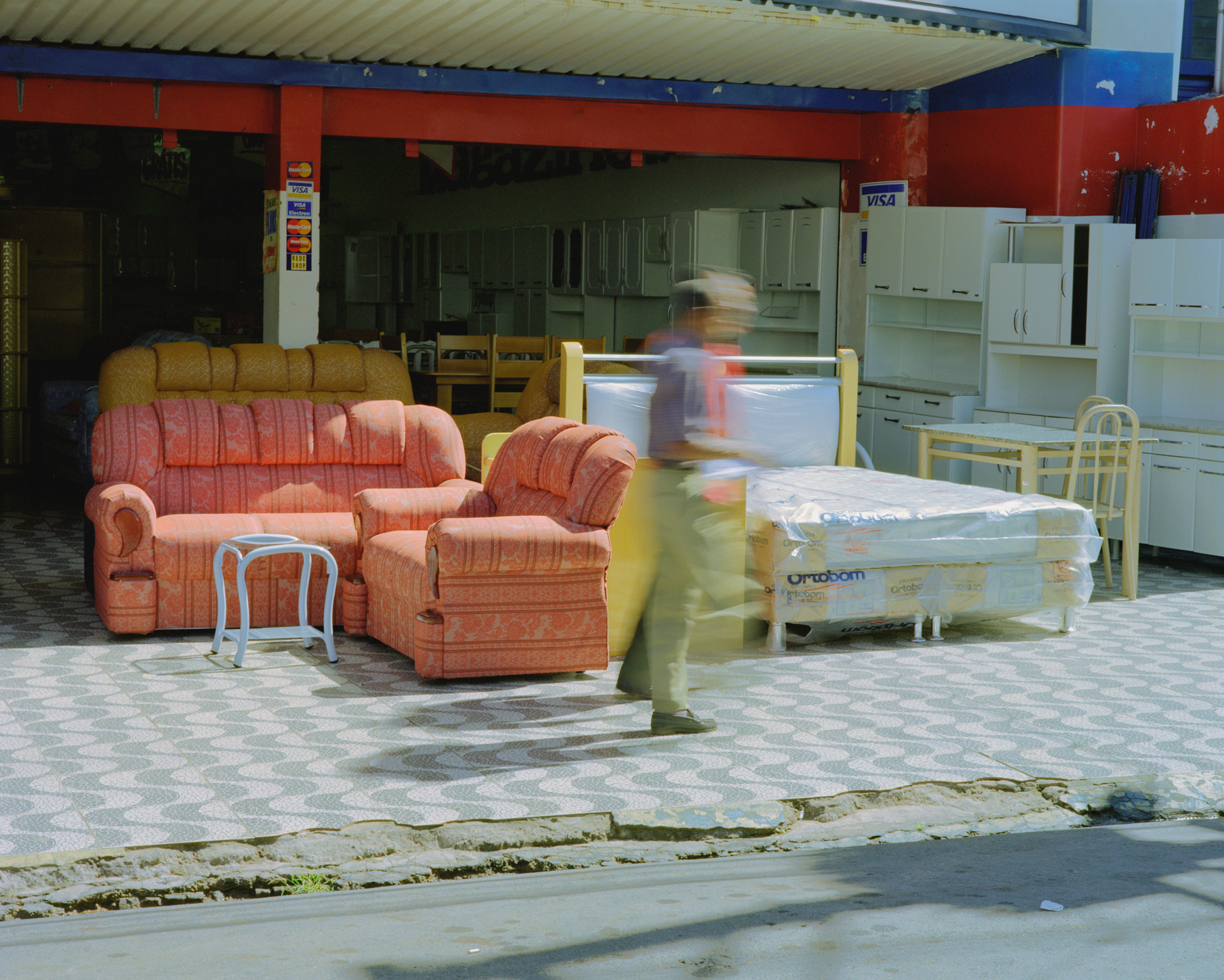 livingroom-in-the-street-web.jpg