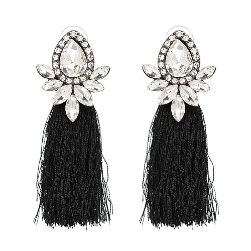 'Kim' Crystal Earrings - Save 20% Use Promo Code: WANDER20