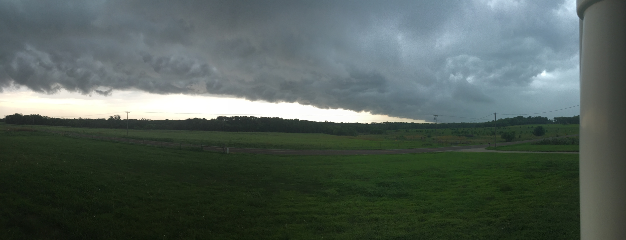 the storm front that approached and grounded me in central kansas