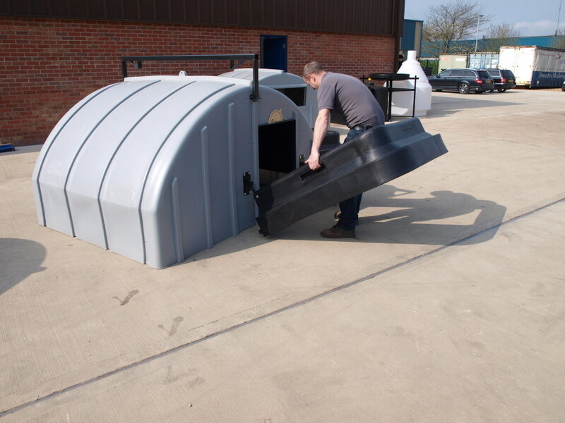 easyfit fender for conventional huts.JPG