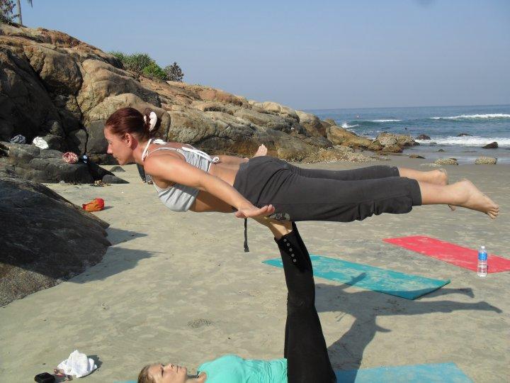 partmer yoga 8.jpg