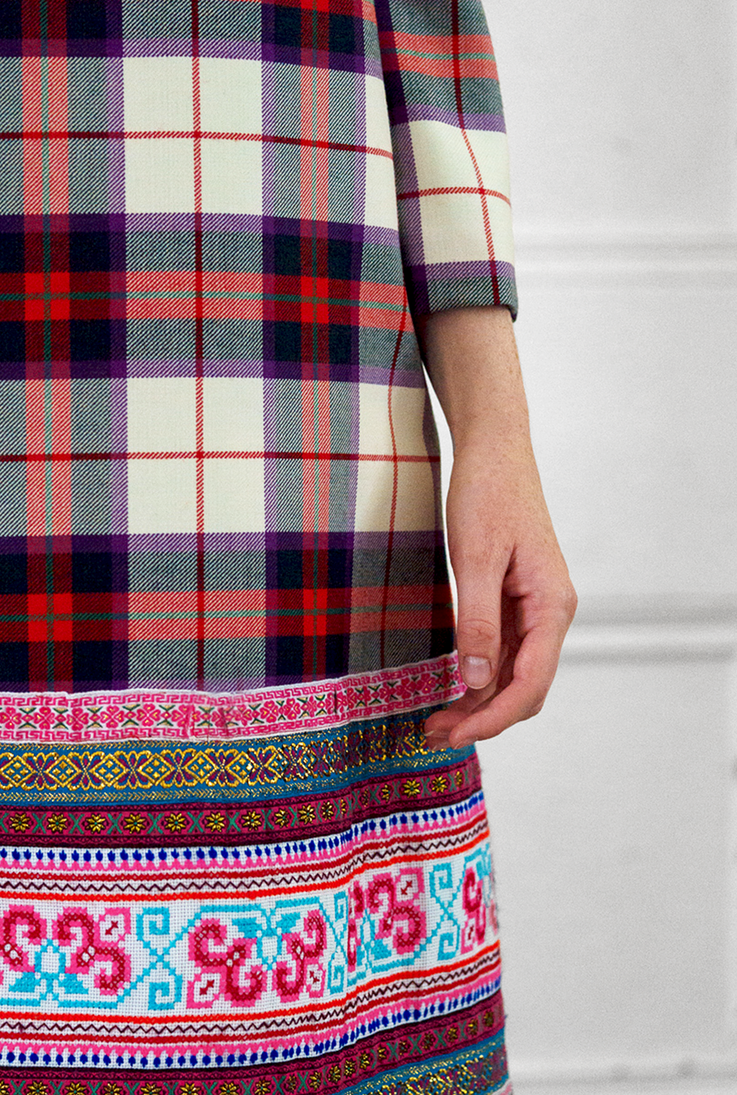 10 S Plaid Hmong Shift Dress Detail.png