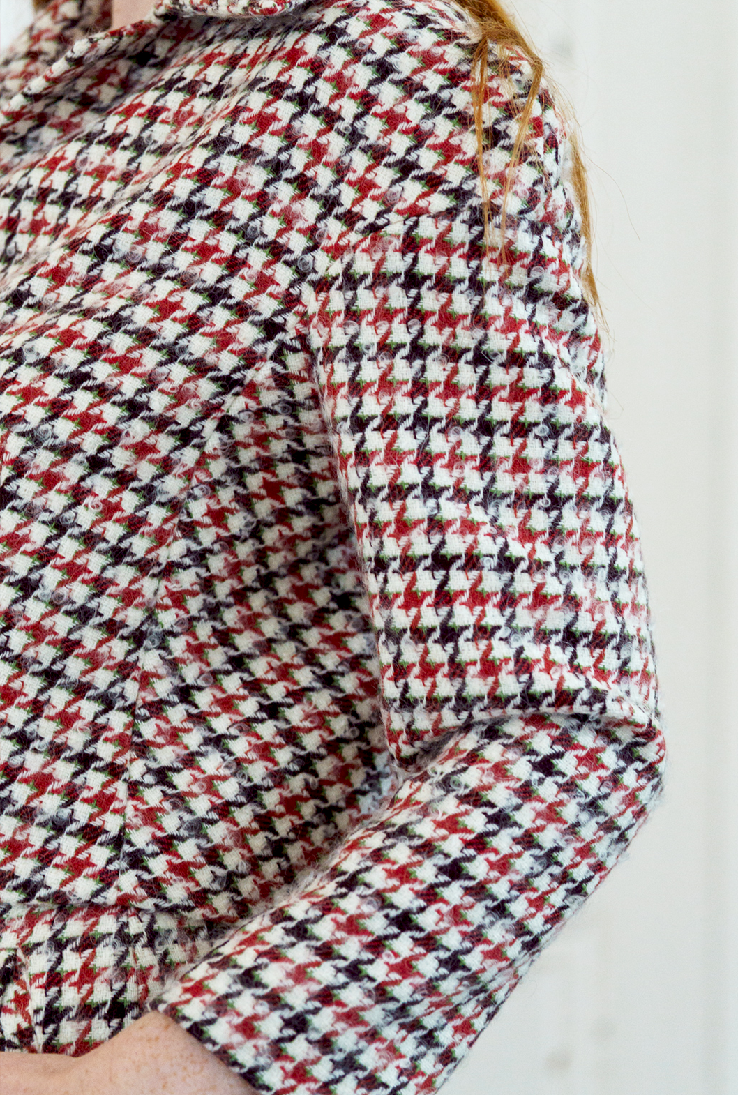 12 S Dogtooth Suit Detail.png