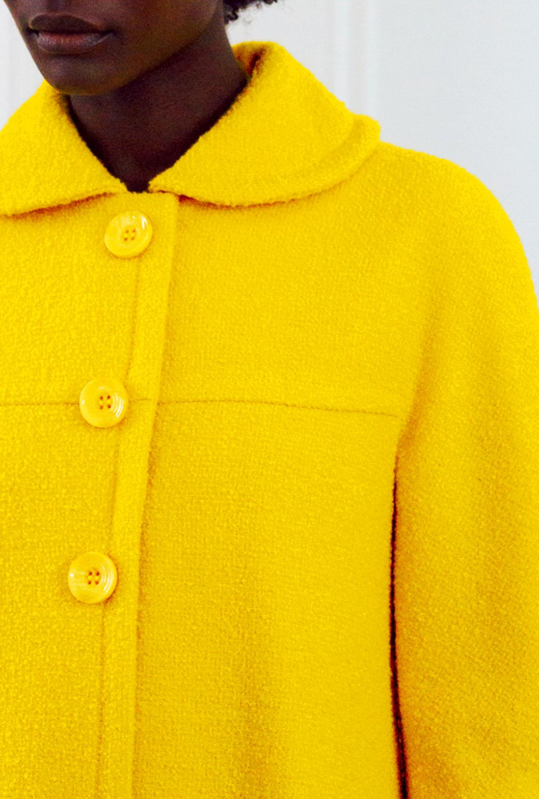 3 M Yellow Coat Detail.png