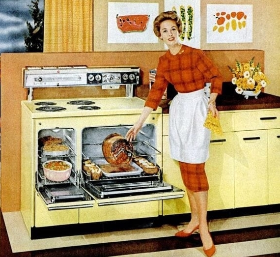 A-full-oven-in-the-housewifes-kitchen-in-1959-750x526.jpg
