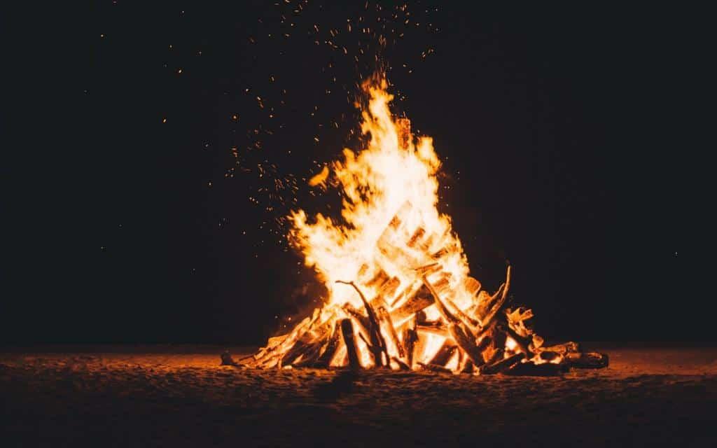 bonfire-faraway-files-5.jpg