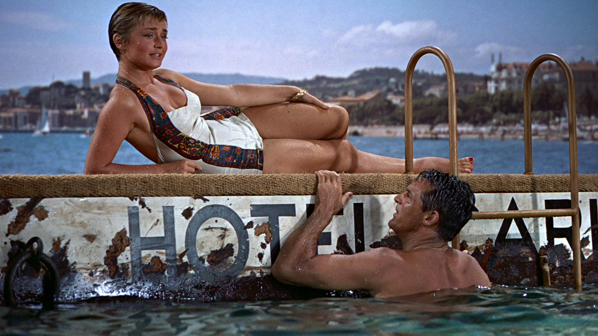 Excellent location forhotel thievery: the Hotel Carlton in the French Riviera. (Image from  To Catch a Thief ).