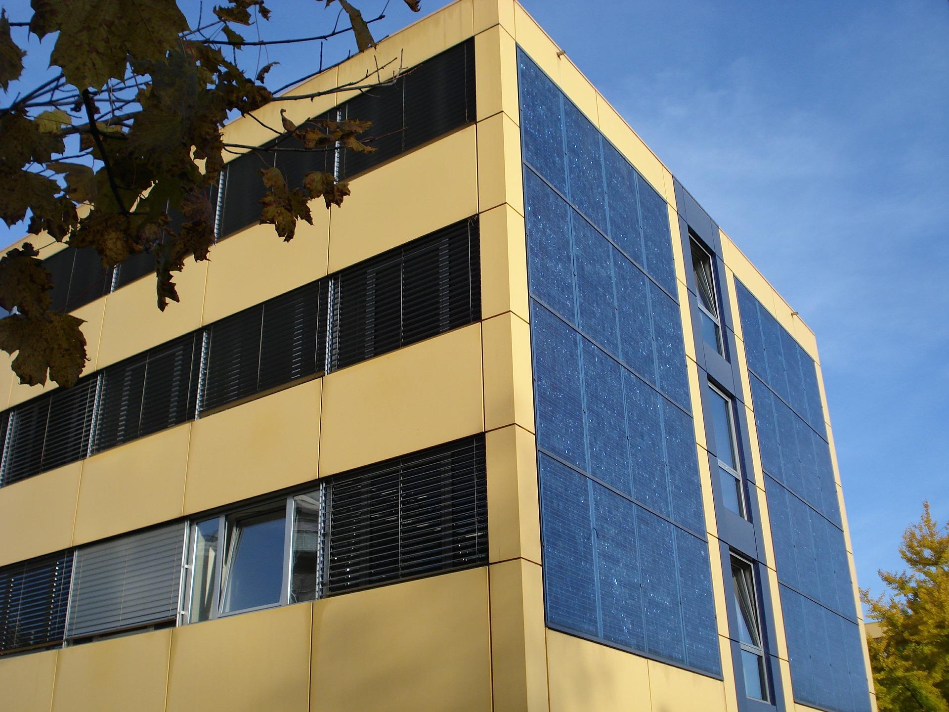 facade-523876_1920.jpg