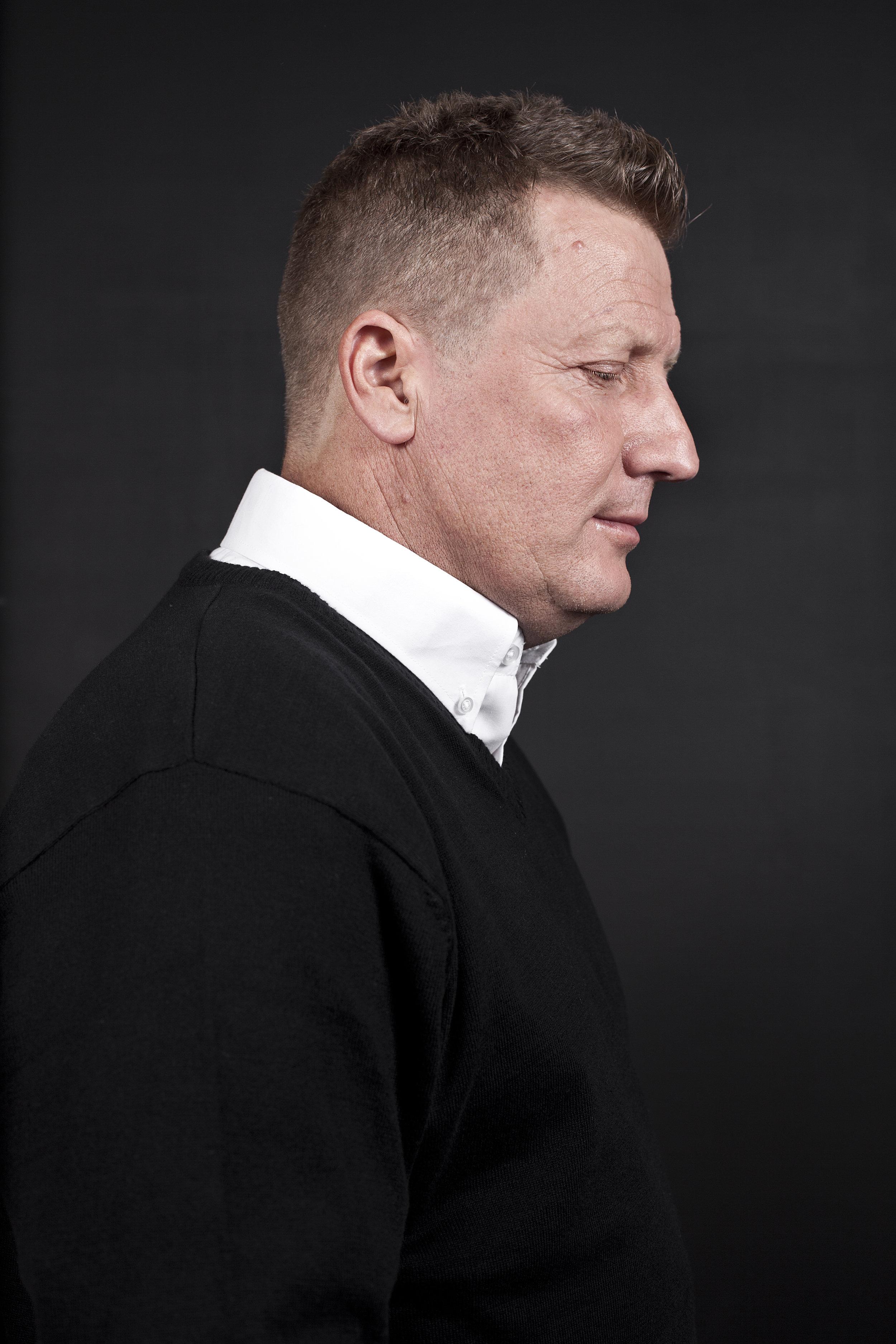 Zakelijk portret Frank Hoek, zanger