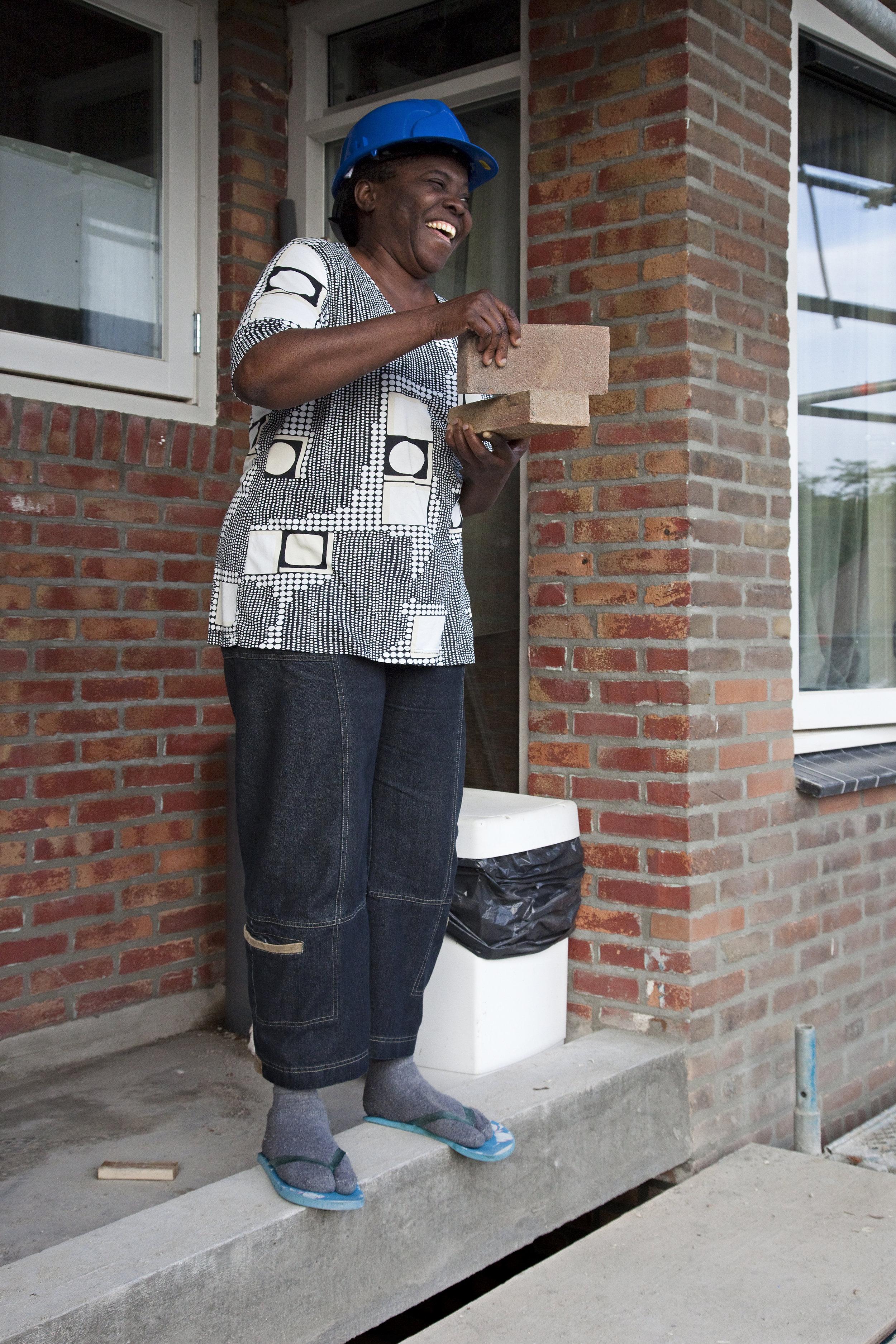 Brabant Wonen, portrettenreeks op ansichtkaarten n.a.v. grootschalig onderhoud 56 woningen