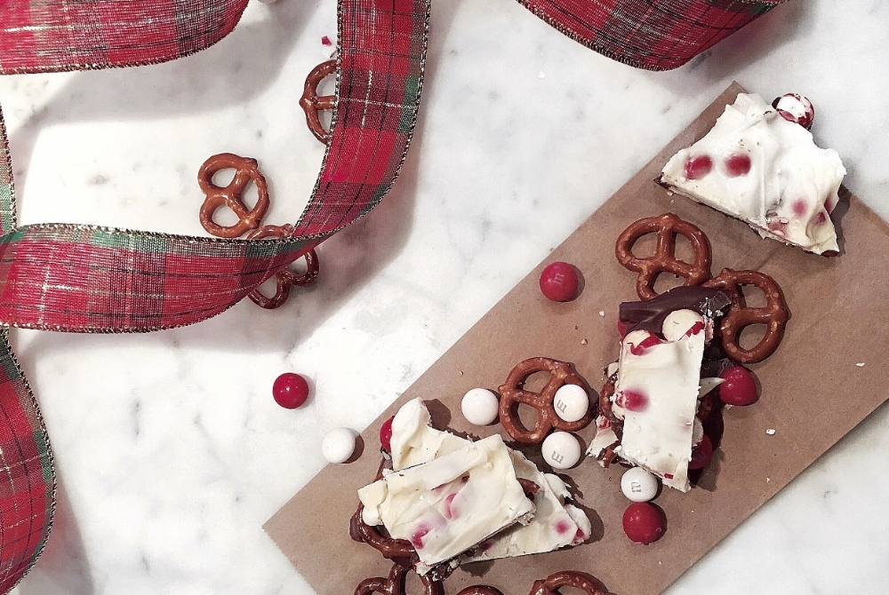 Peppermint Bark Lilies and Lambs Holly Jolly