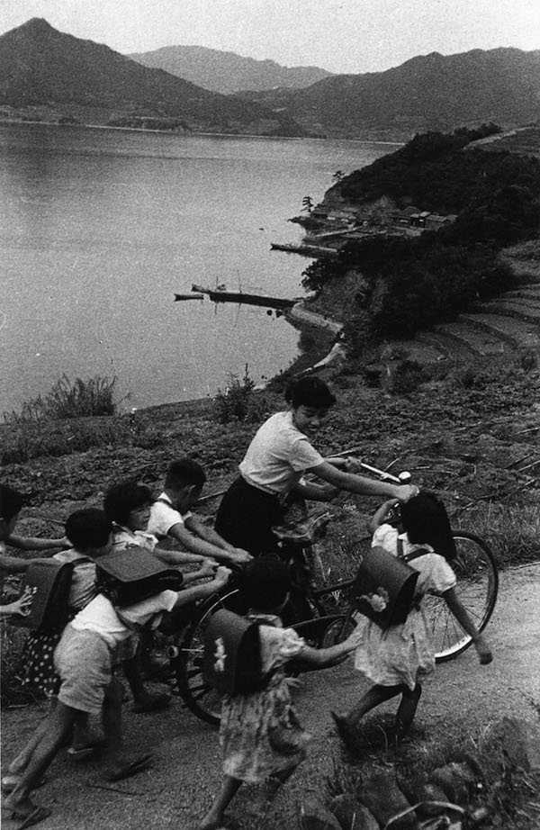 Teacher and her pupils, Shodoshima Island, 1956