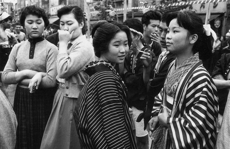 Takeyoshi Tanuma,Modern dress versus traditional dress at the Sanja Festival, Asakusa, Tokyo, 1955