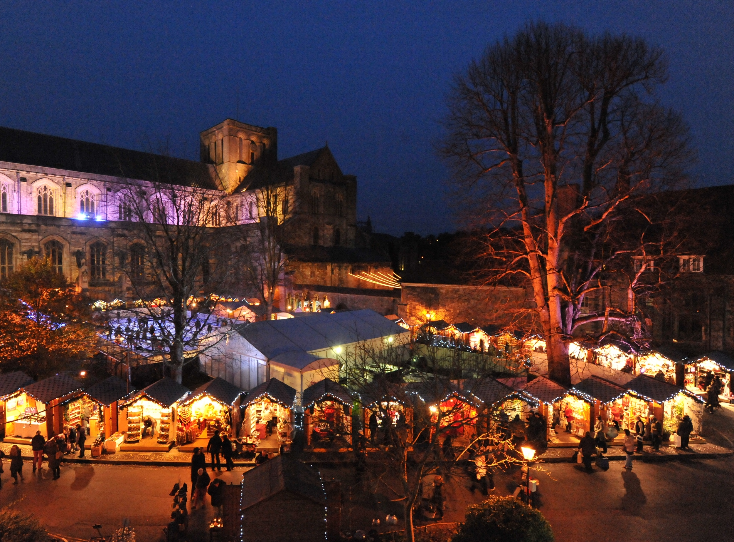 Winchester-Christmas-Market-and-Ice-Rink.jpg