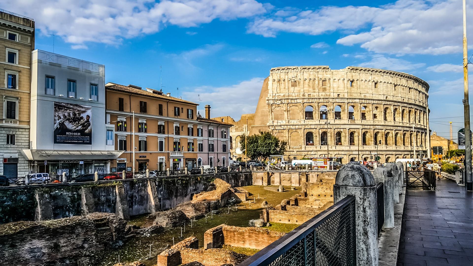 RomanColosseum_1.jpg